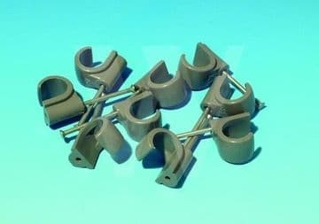 75 x Hepworth Hep2O 22mm nail in pipe clips. Hep20 nail on clips
