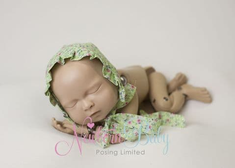 Apple Green Bonnet