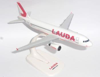 Airbus A320 Lauda Air Austria Snap Fit PPC Collectors Model Scale 1:200 EL