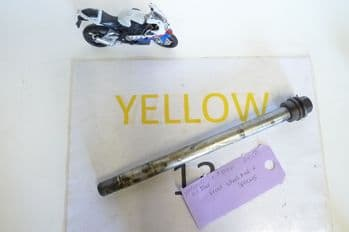 YAMAHA XJ600 DIVERSION   FRONT WHEEL AXLE & SPACER  #8(CON-B)