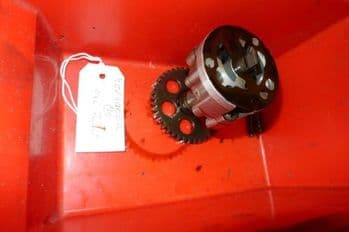 YAMAHA YZF1000 THUNDERACE BREAKING. ENGINE OIL PUMP (WEB-STOCK)(A=SK) BREAKERS  (CON-D)